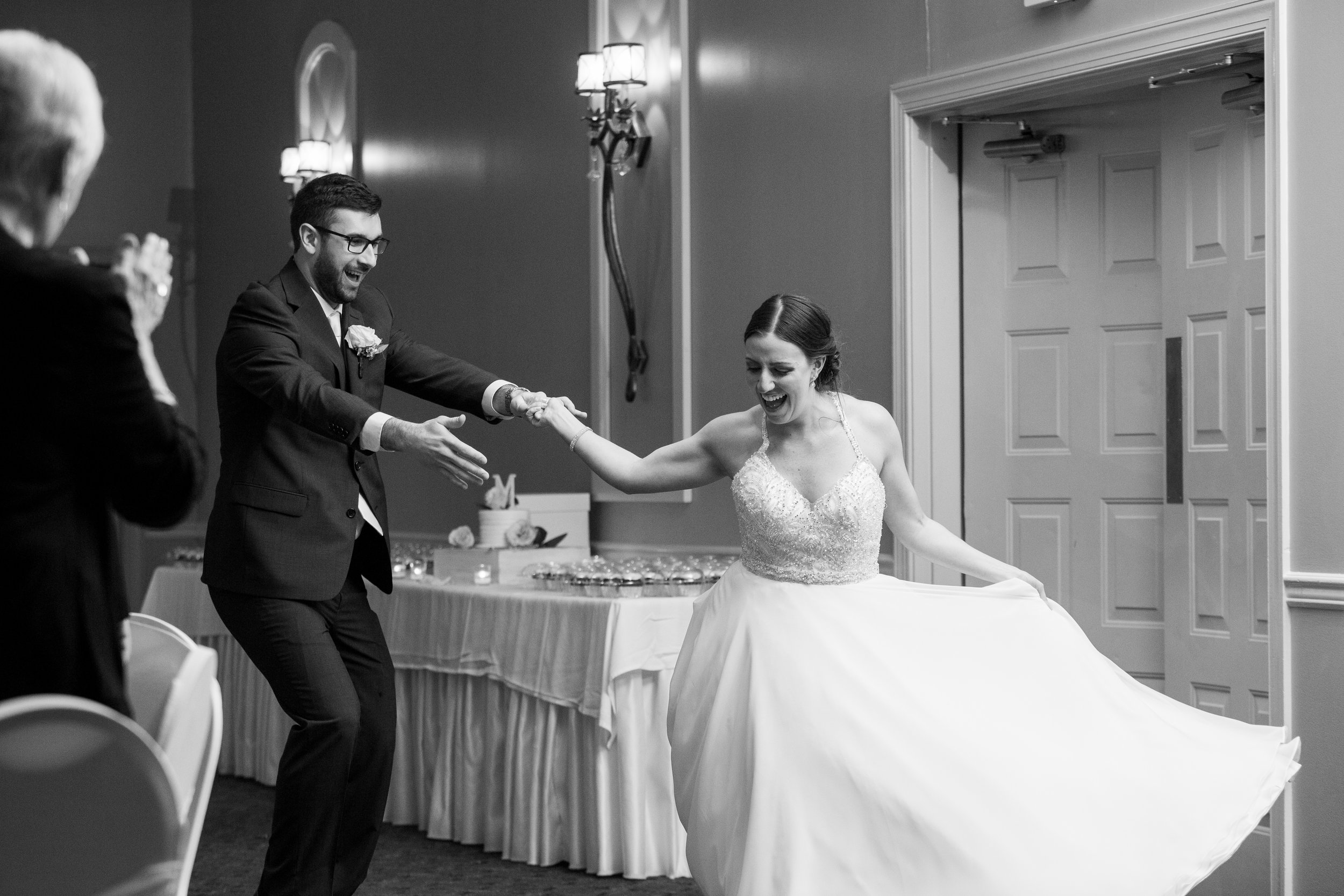 montdale-country-club-wedding-by-leahdanielsphotography59.jpg