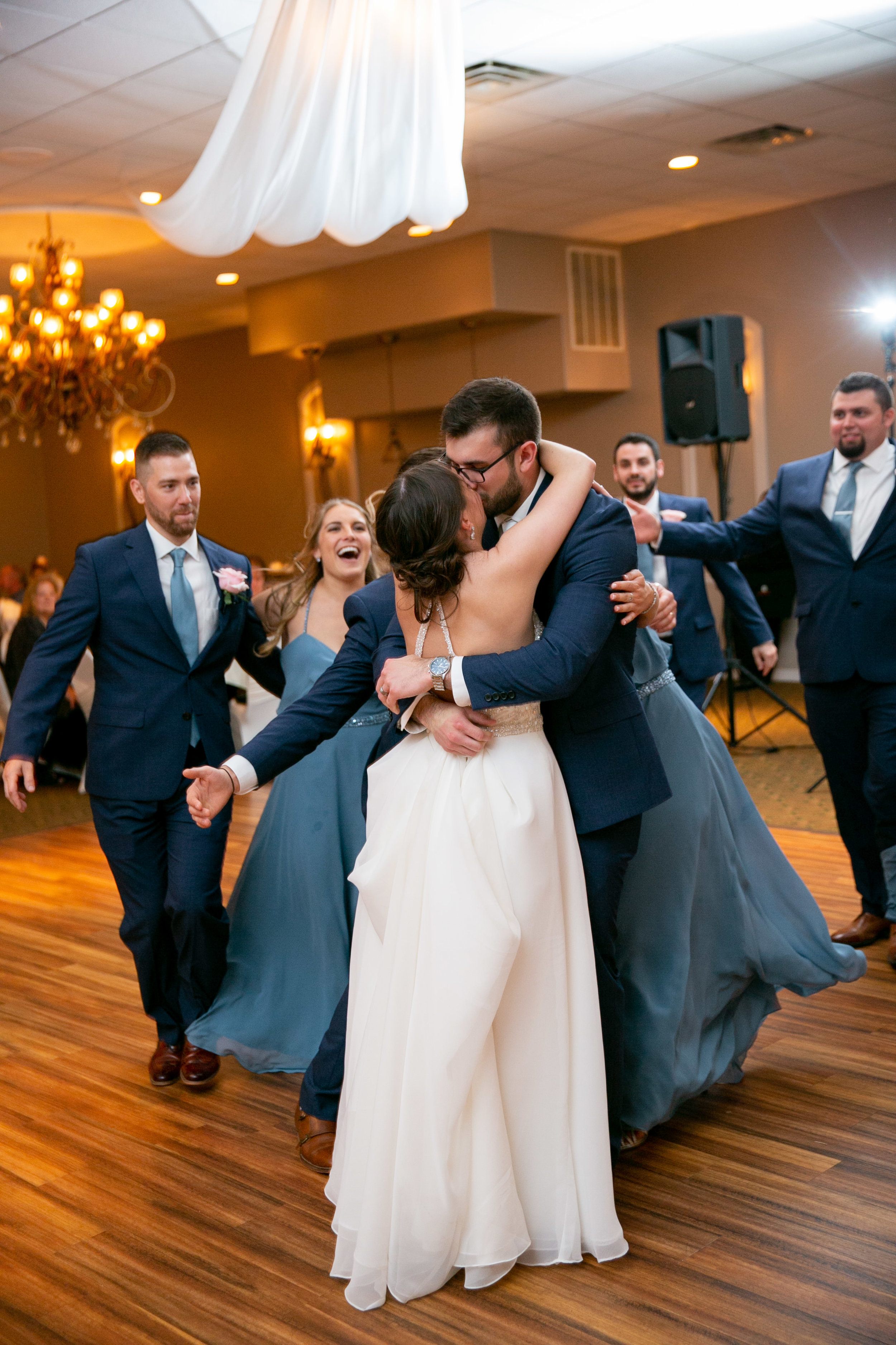 montdale-country-club-wedding-by-leahdanielsphotography66.jpg