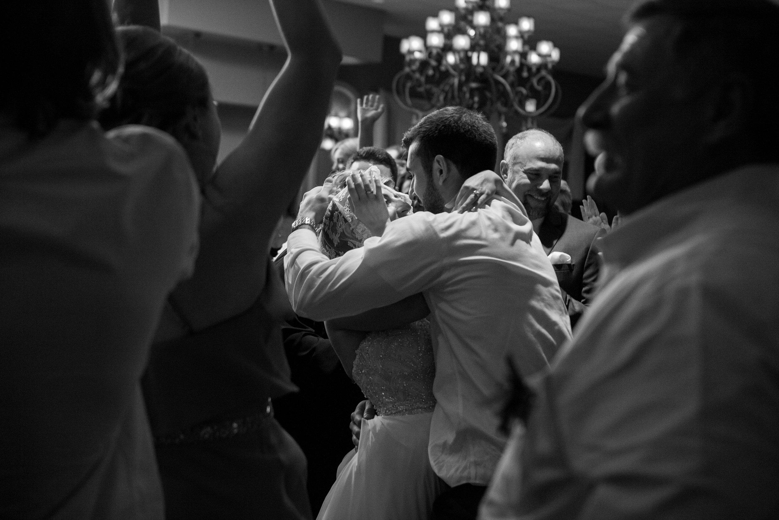 montdale-country-club-wedding-by-leahdanielsphotography76.jpg