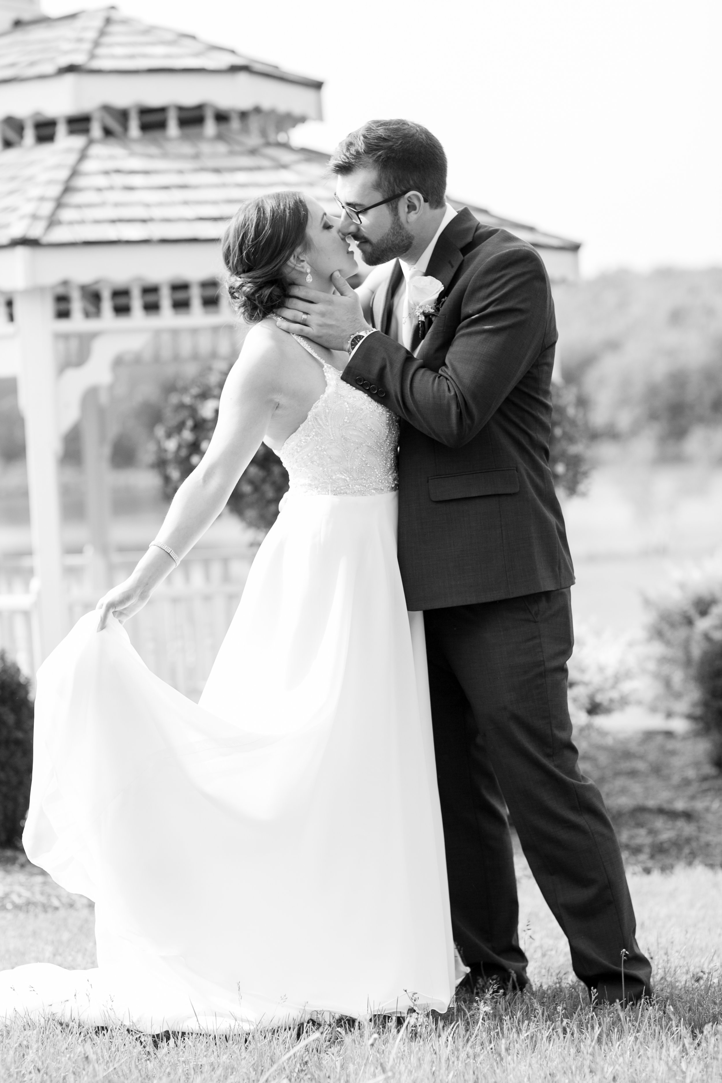 montdale-country-club-wedding-by-leahdanielsphotography49.jpg