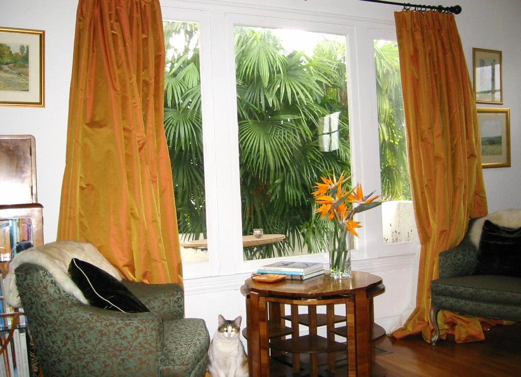 living_window_Tiffany_Hicks_Design.JPG
