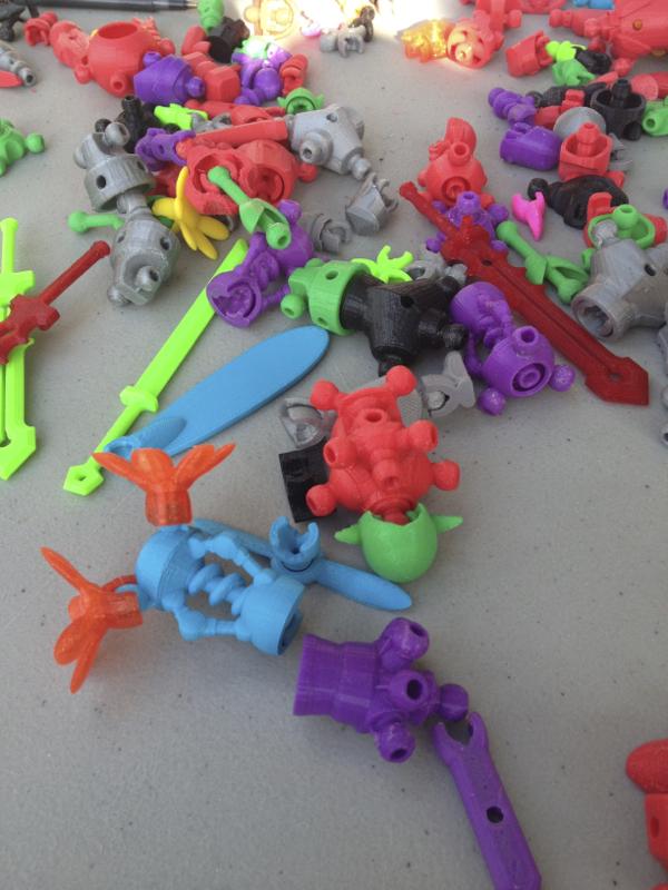 Clever 3D idea: interchangeable action figure parts