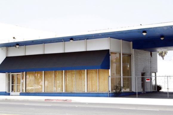 Jennifer Bolande,  Plywood Curtains , 2010, installation view East Colorado, Pasadena