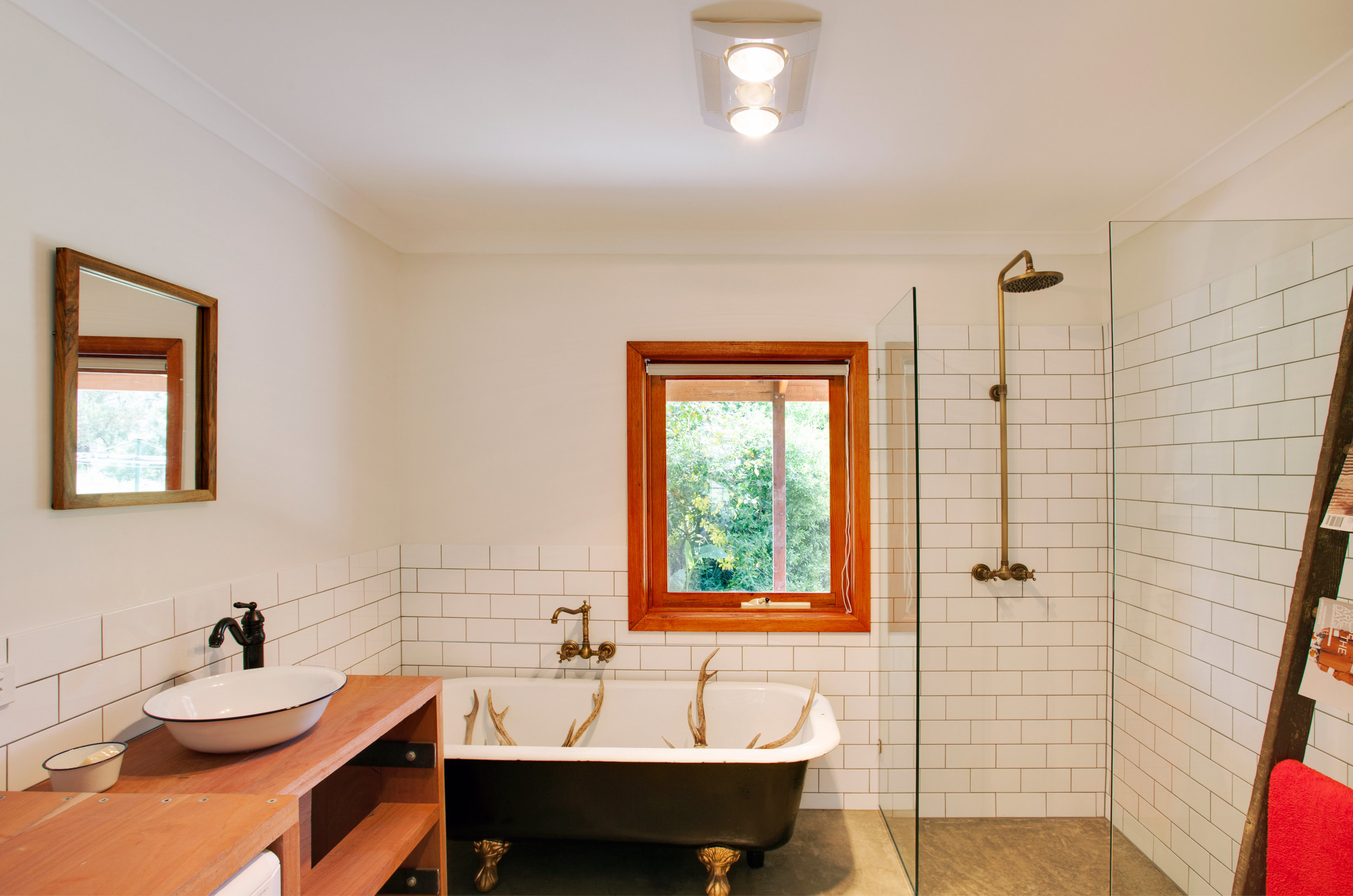 10. web-bathroom.jpg