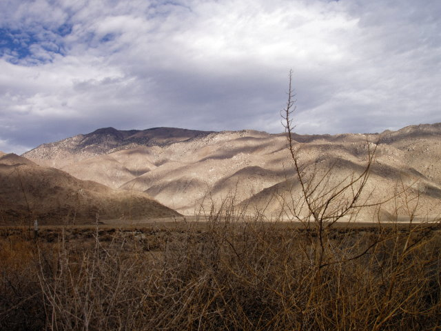 Owens Valley on a cool winter morning