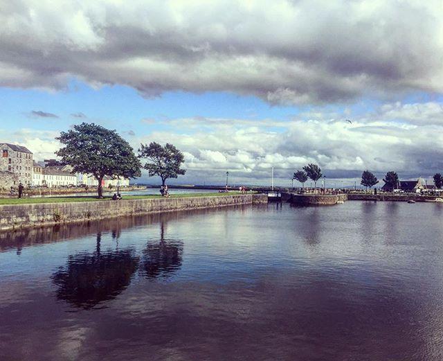 Galway ⛅️😻🎬 #ireland #clouds #galway #galwayfilmfleadh #cinematography #filmlife #travel #wanderlust