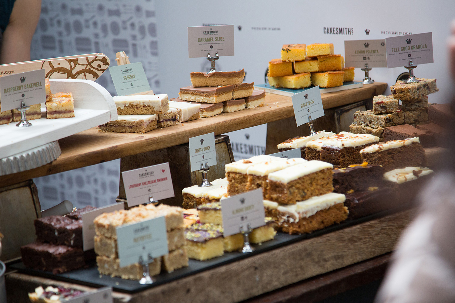 cakesmiths-show-exhibition-stand-cake-display-designs-by-get-it-sorted.jpg