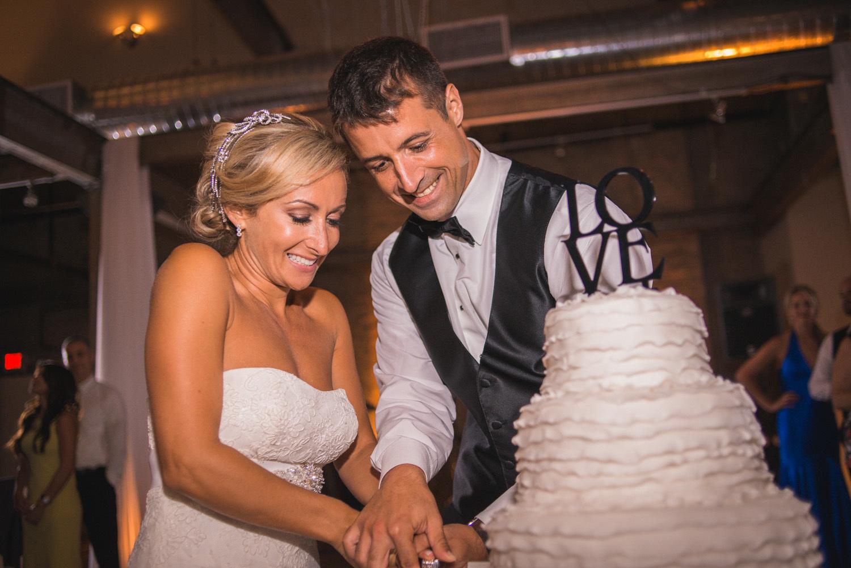 front-and-palmer-philadelphia-wedding-35.jpg