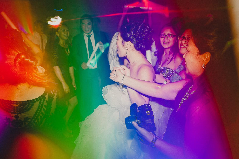 030-union-trust-philadelphia-wedding-photographer-21.jpg