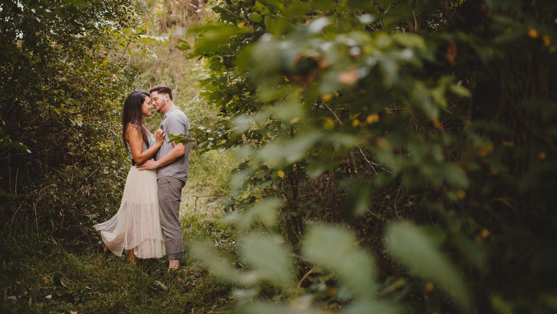 059-romantic-bohemian-engagement-session-photographer-9.jpg