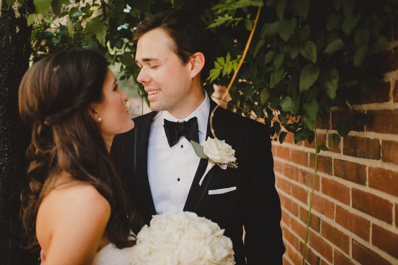 137-downtown-club-philadelphia-wedding-photographer-10.jpg