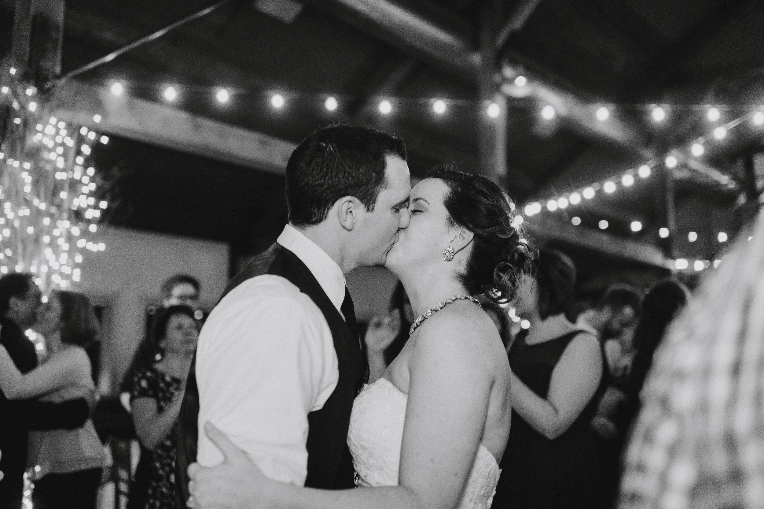 vermont-destination-wedding-photographer-77.jpg