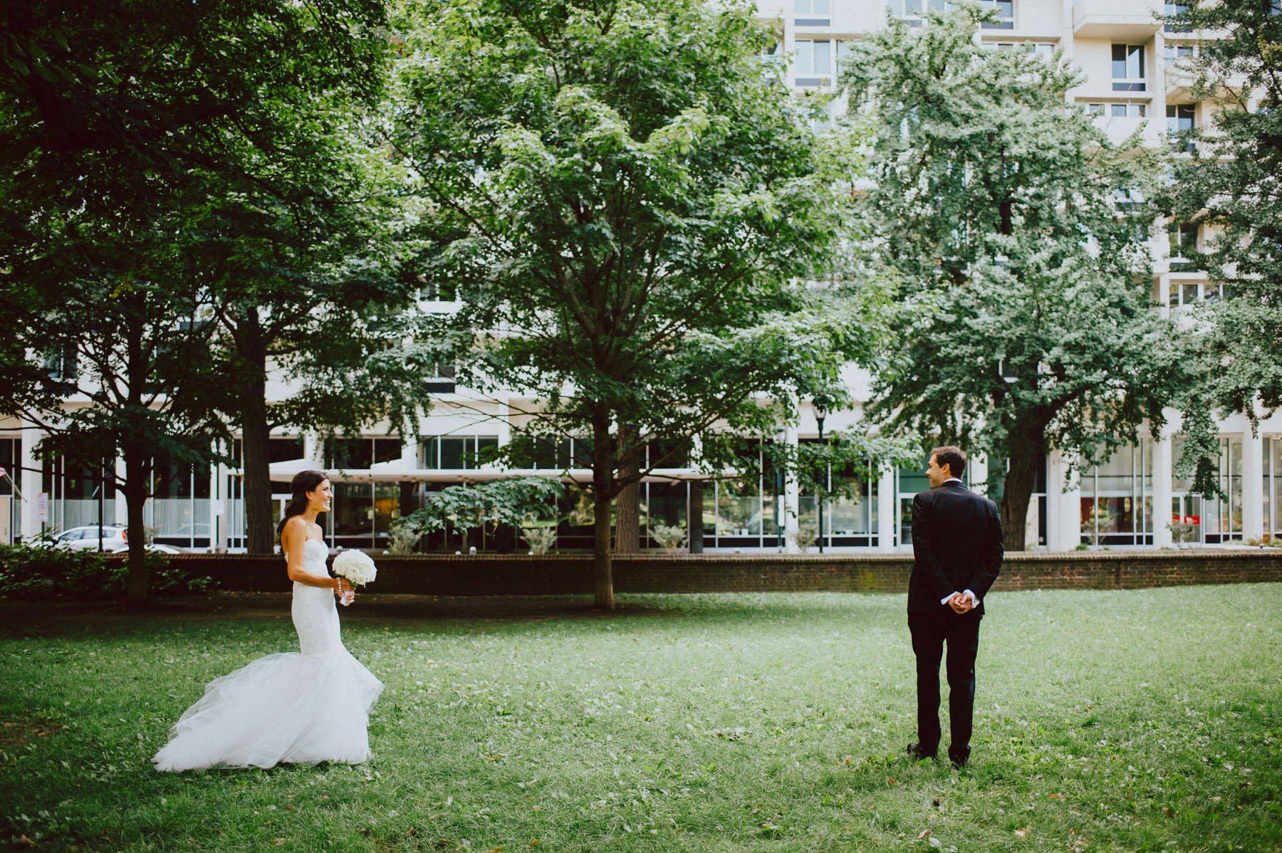 downtown-club-philadelphia-wedding-photographer-33.jpg