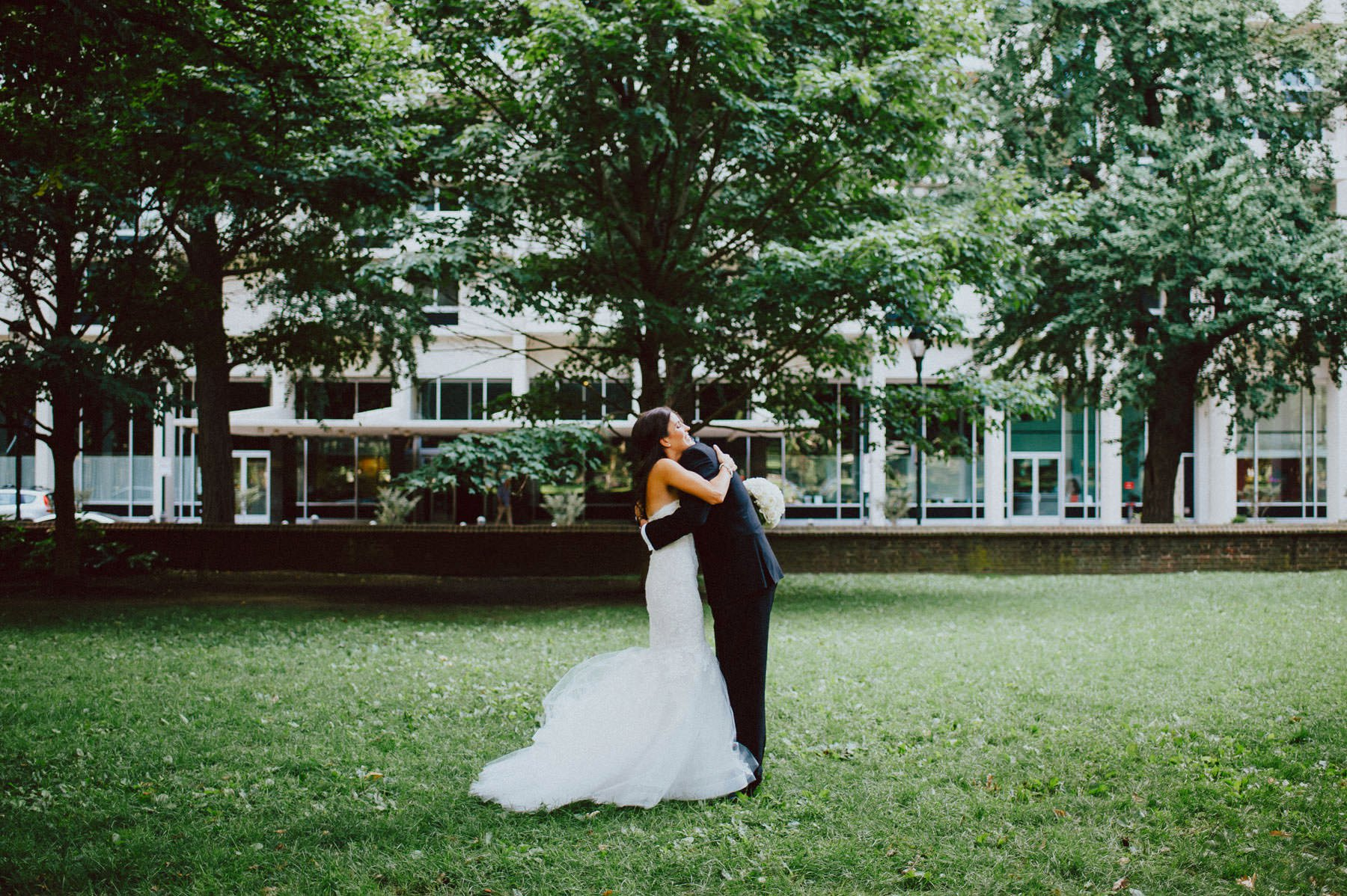 downtown-club-philadelphia-wedding-photographer-35.jpg
