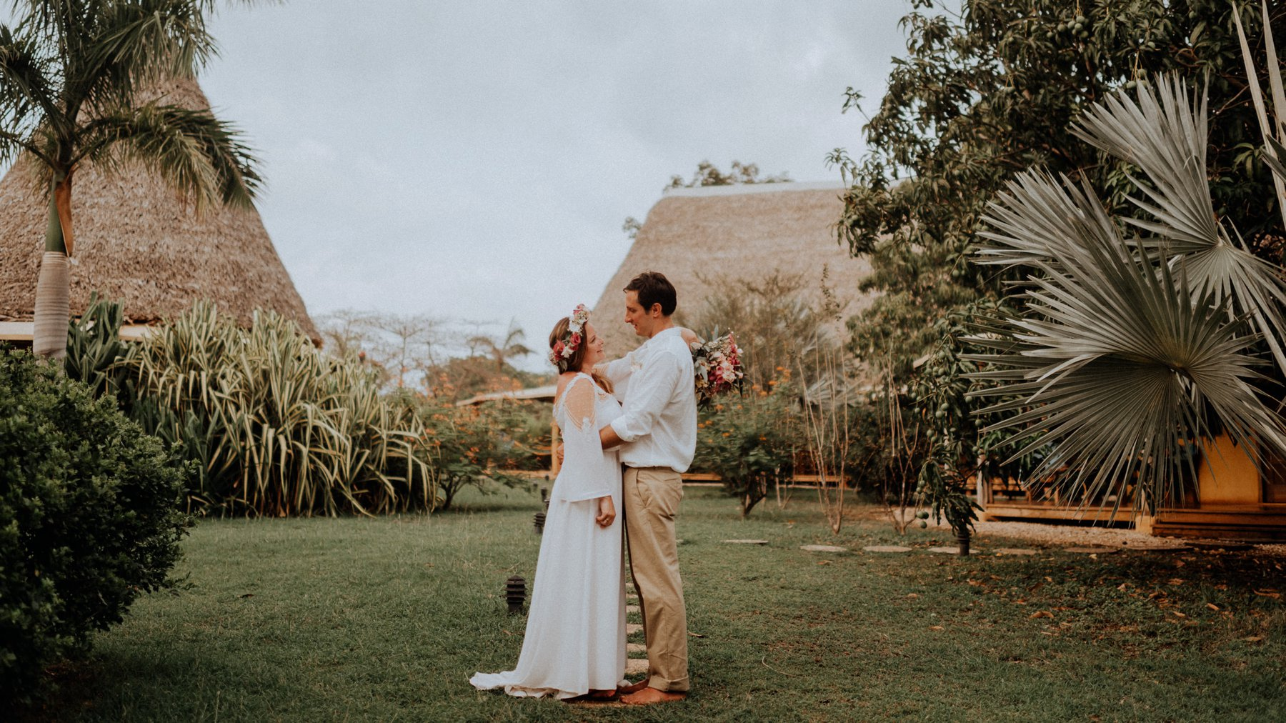 004-031-costa-rica-wedding-photographer-13.jpg