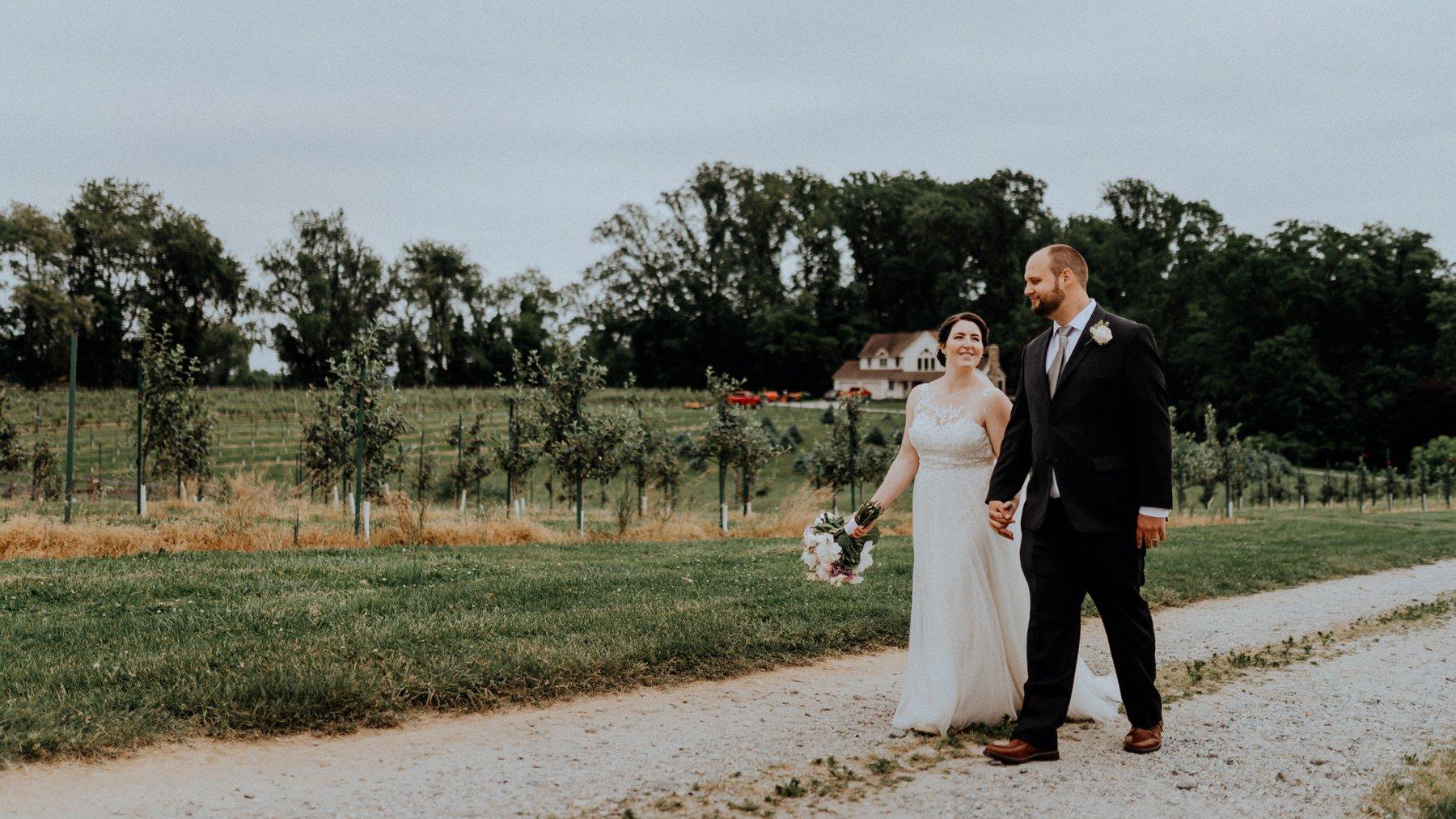 109-092-old-stone-farm-wedding-4.jpg