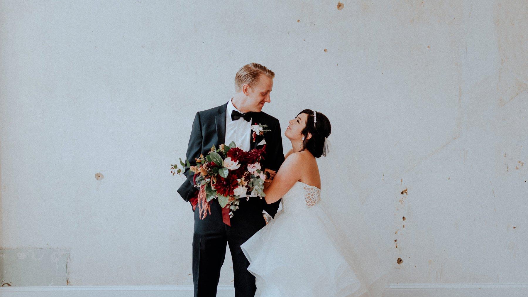 324-331-excelsior-lancaster-wedding-4.jpg