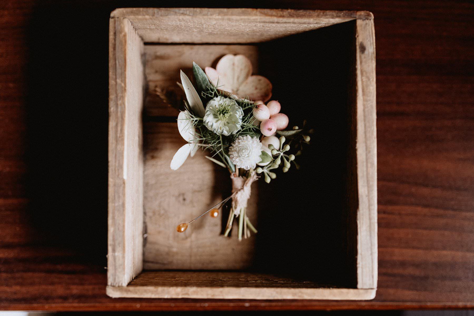 005-Tall-timber-barn-wedding-3.jpg