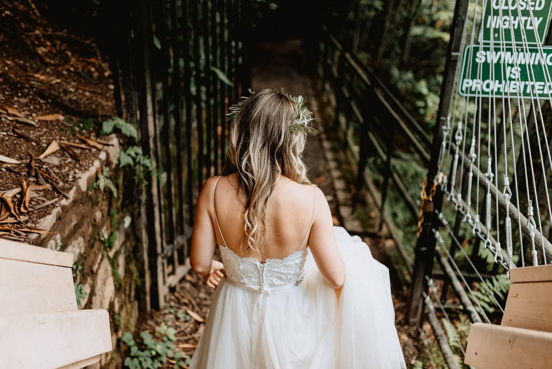 014-Tall-timber-barn-wedding-14.jpg