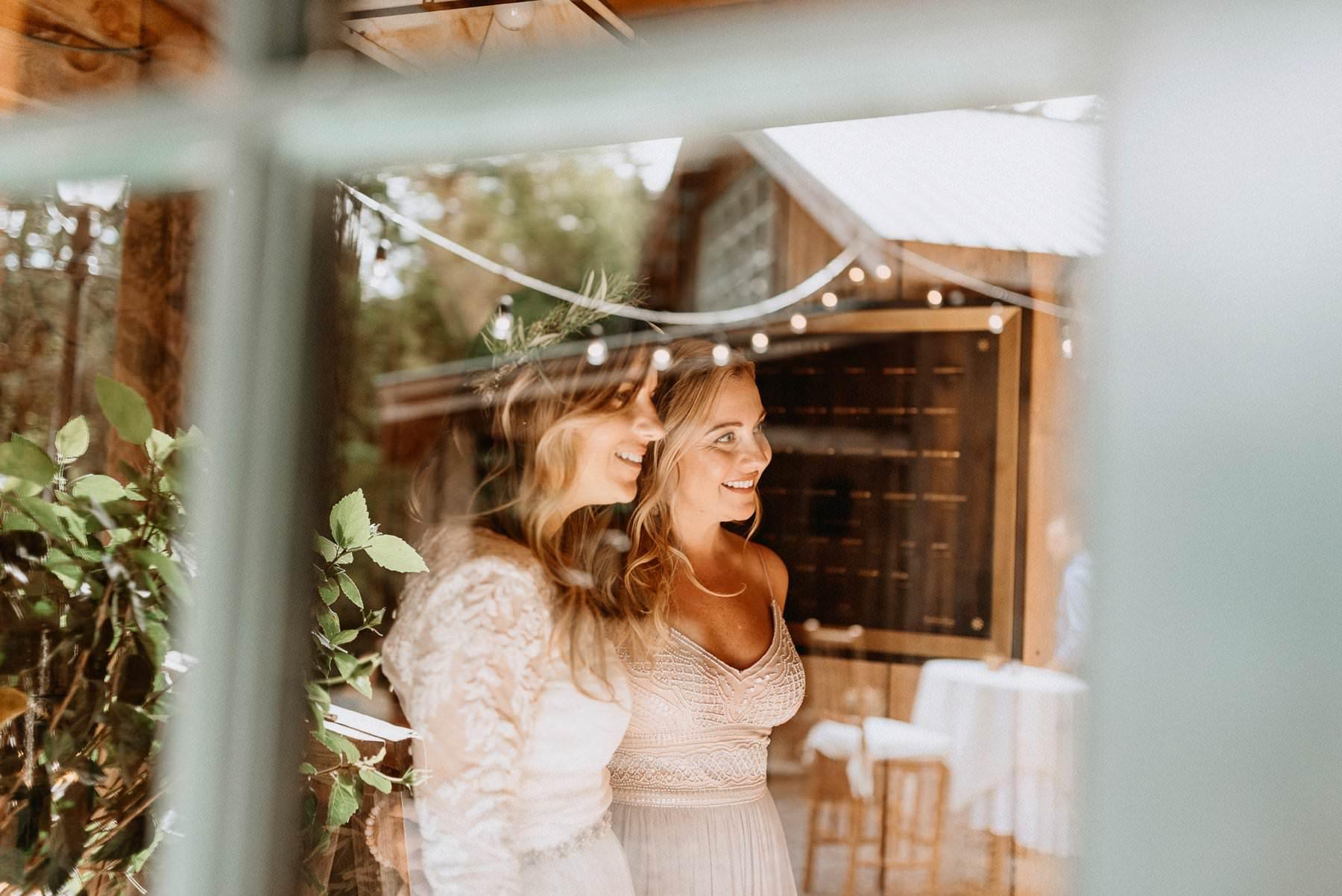 032-Tall-timber-barn-wedding-41.jpg