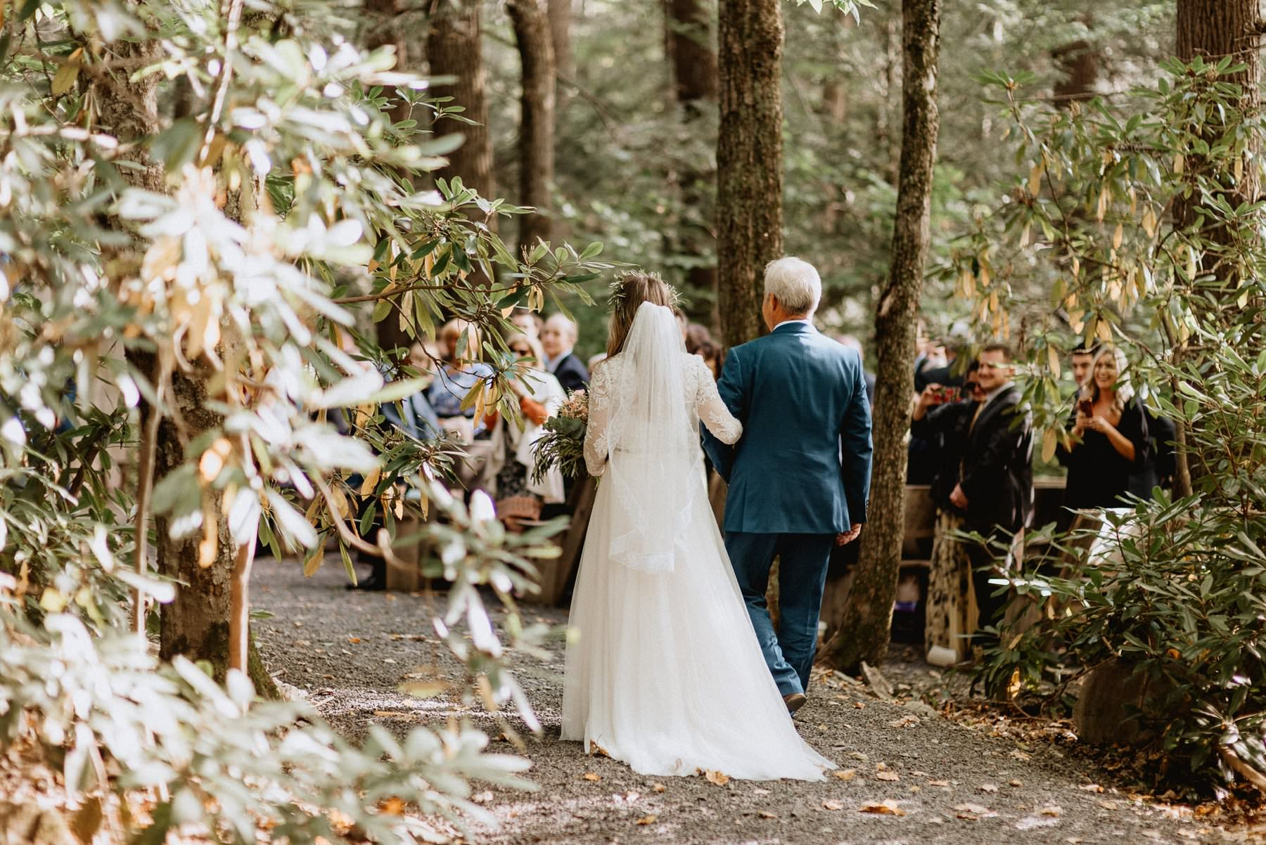 035-Tall-timber-barn-wedding-49.jpg