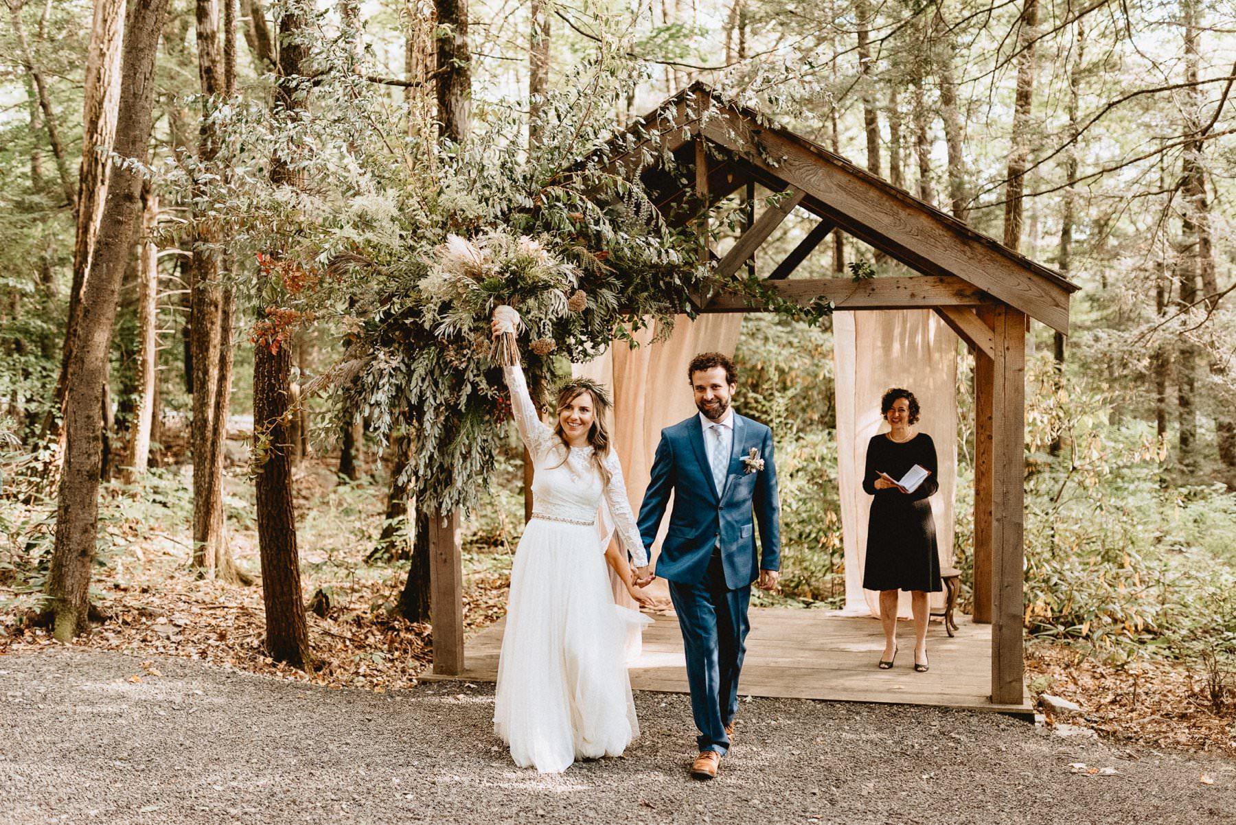 046-Tall-timber-barn-wedding-61.jpg