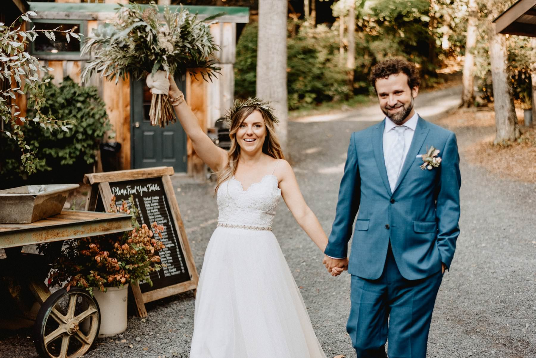 055-Tall-timber-barn-wedding-66.jpg
