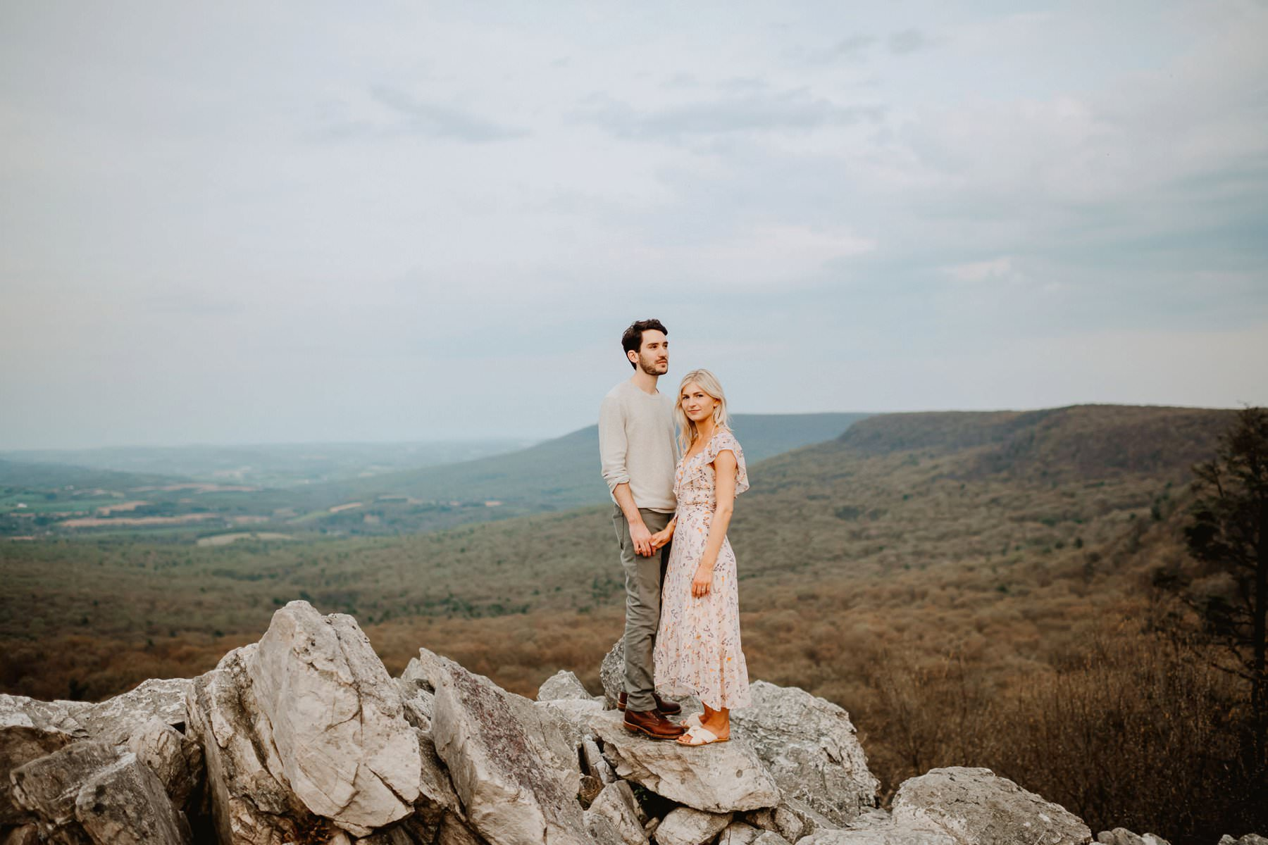 015-hawk_mountian_engagement_session-8.jpg