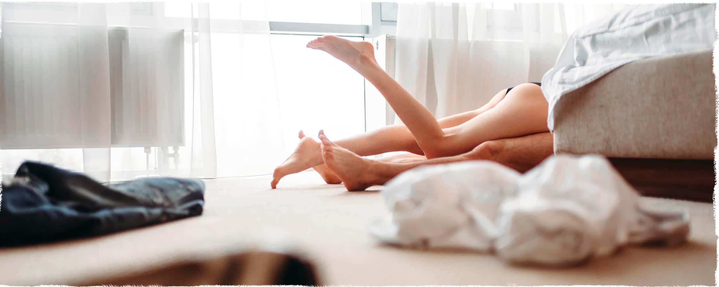 couples-legs@2x.jpg