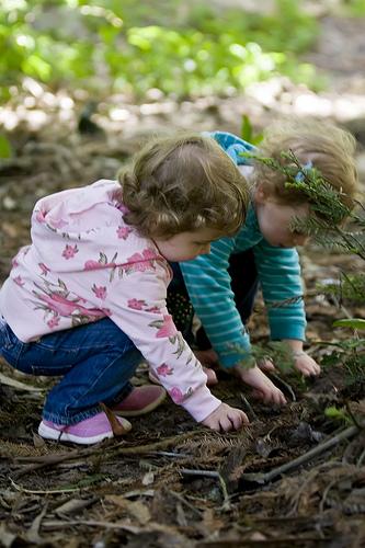 Shay&Emmy naturegirls.jpg