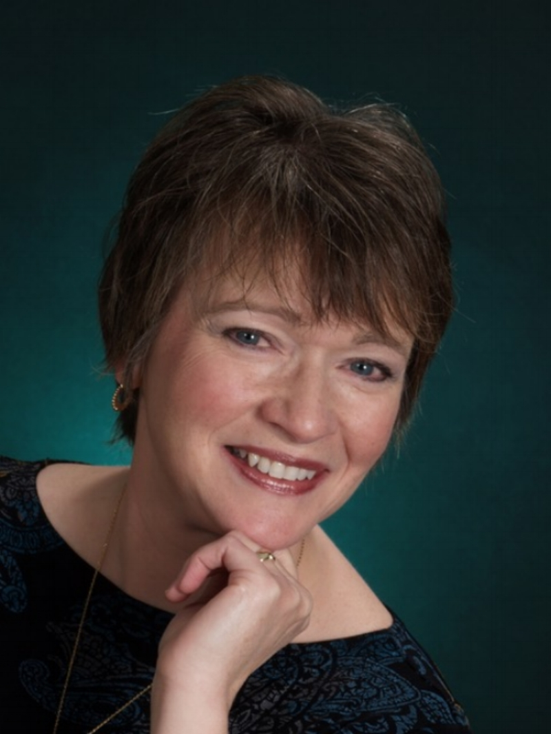 Janet Brown,  soprano