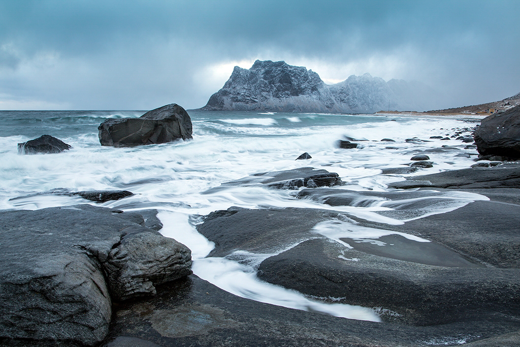 Snowstorm approaches in Norway