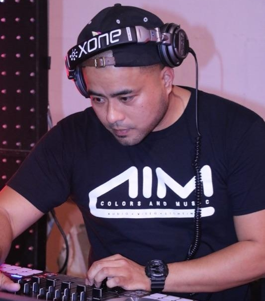 DJ Justin Dator - With his experience as a club DJ, DJ Justin is able to bring the fresh new hits into the dancefloor. He demonstrates his skill as a DJ by delivering new remixes. His talents and his passion shines when is next to the turntables.