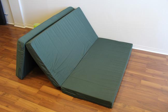 Unfold a mattress