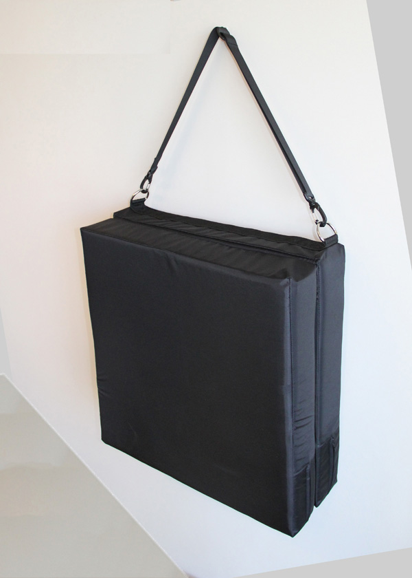 portable waterproof cushion3small.jpg