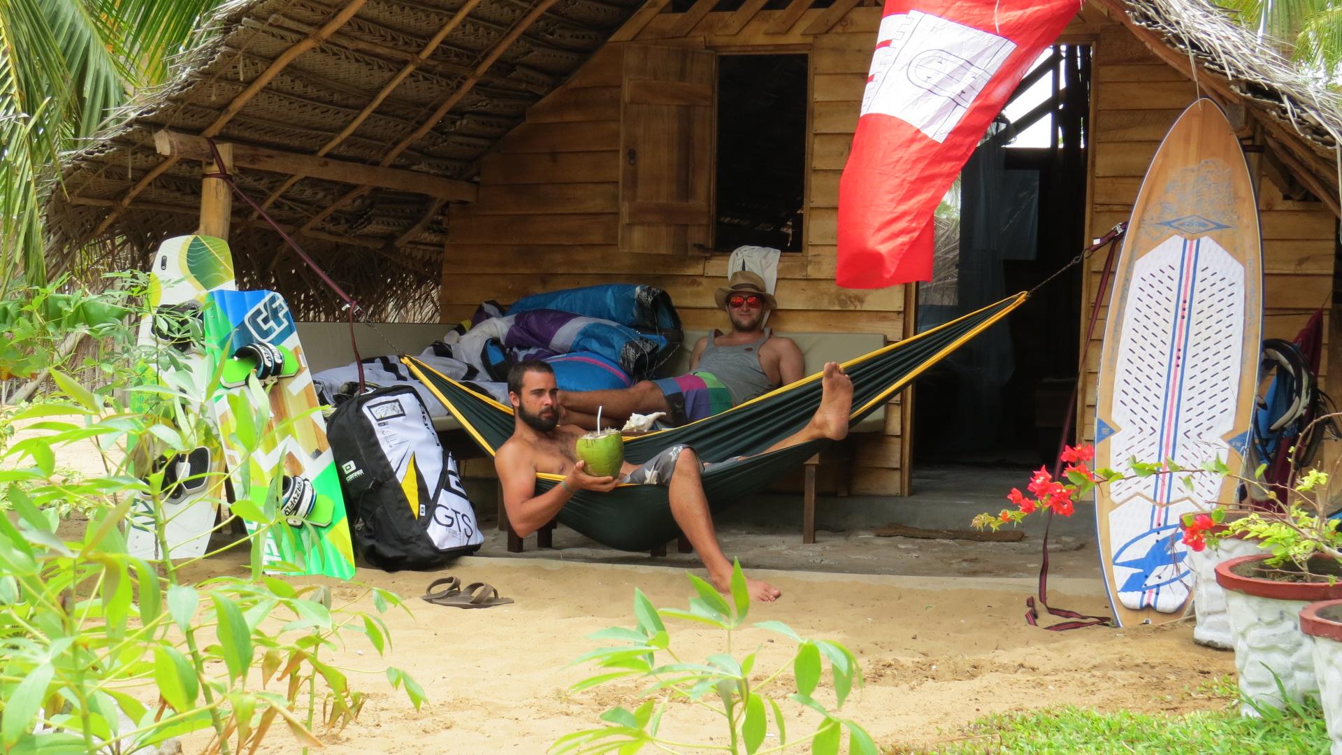 wooden-cabanas-in-sri-lanka