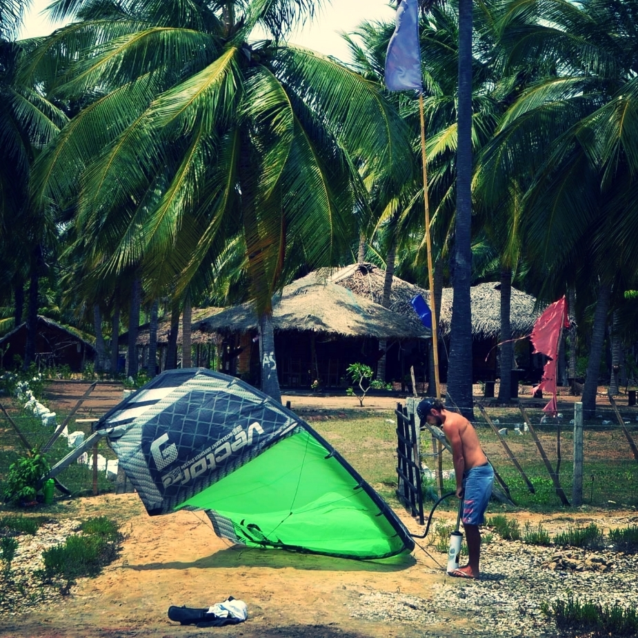start kiting right by Kalpitiya kite lagoon