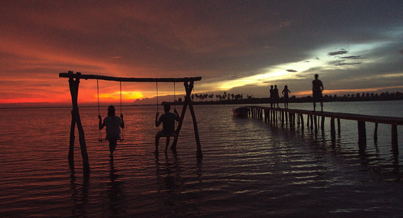 ruuk-village-sun-set-swing-sri-lanka.jpg
