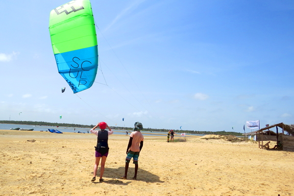 learn to launch a kite