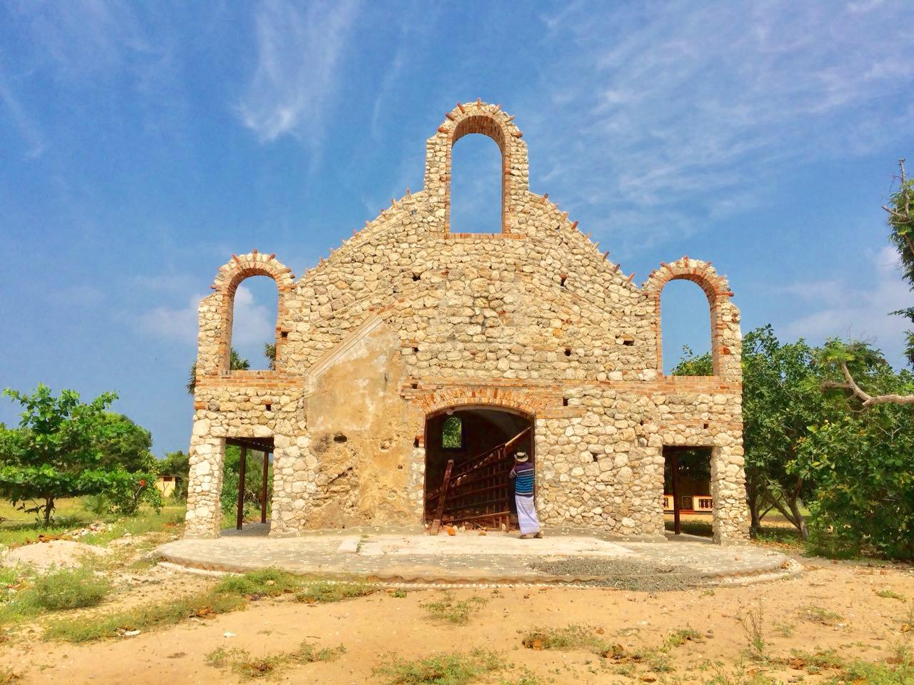 discover-kalpitiya-by-jeep-dutch-church (1).jpg