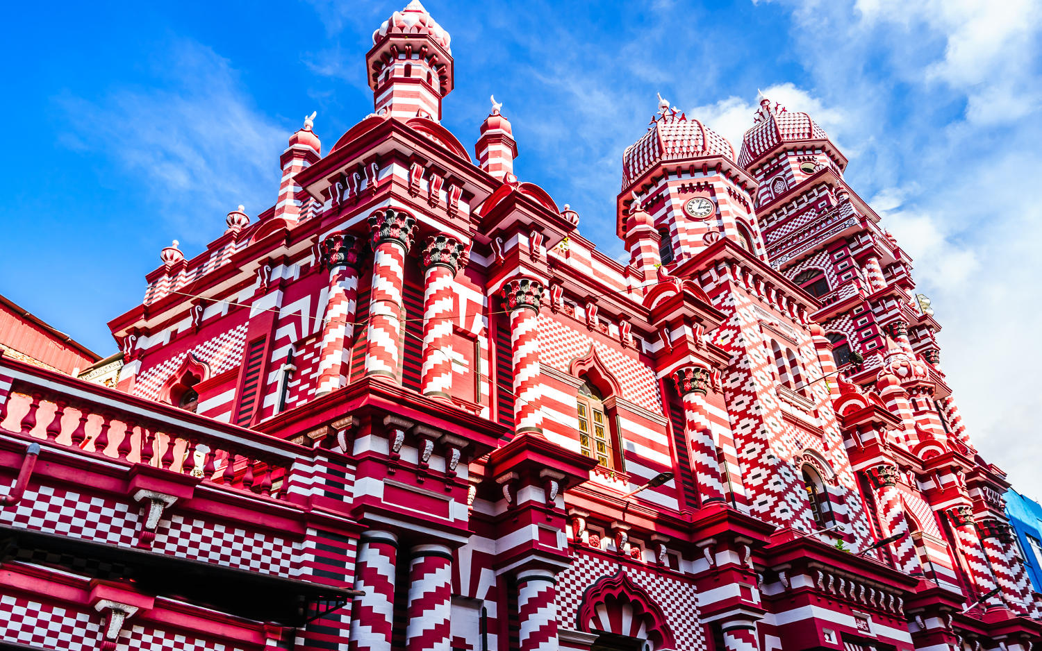 Red Mosque in Colombo City Centre