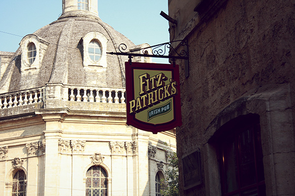 fitz-sign-with-chambre-du-commerce-superior-small.jpg