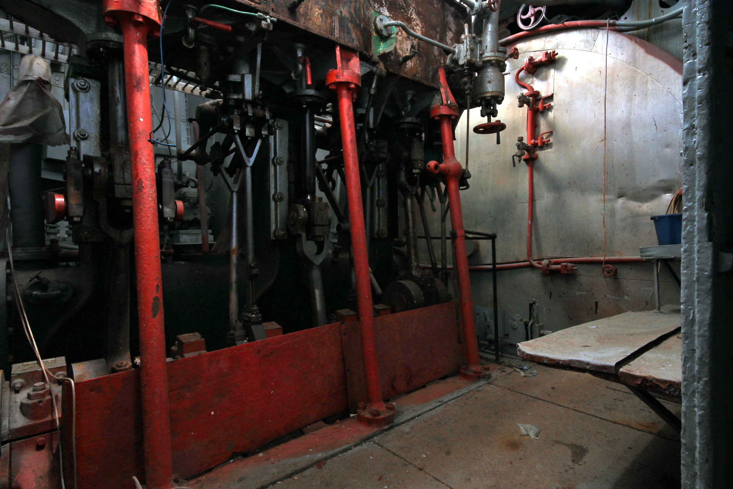 Engine Room 6855.JPG