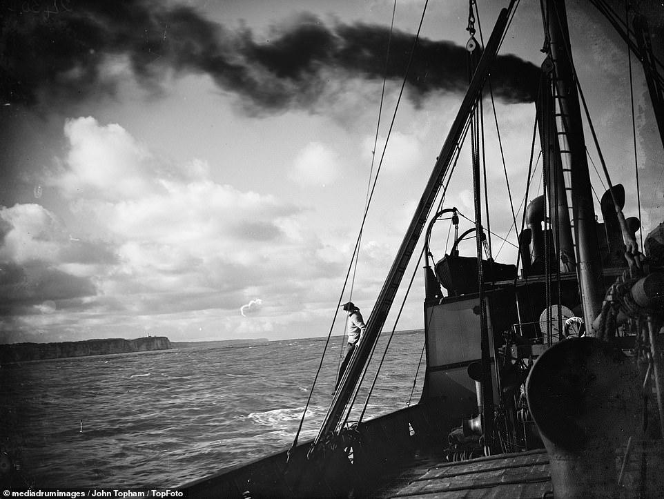 SS Eston underway at sea