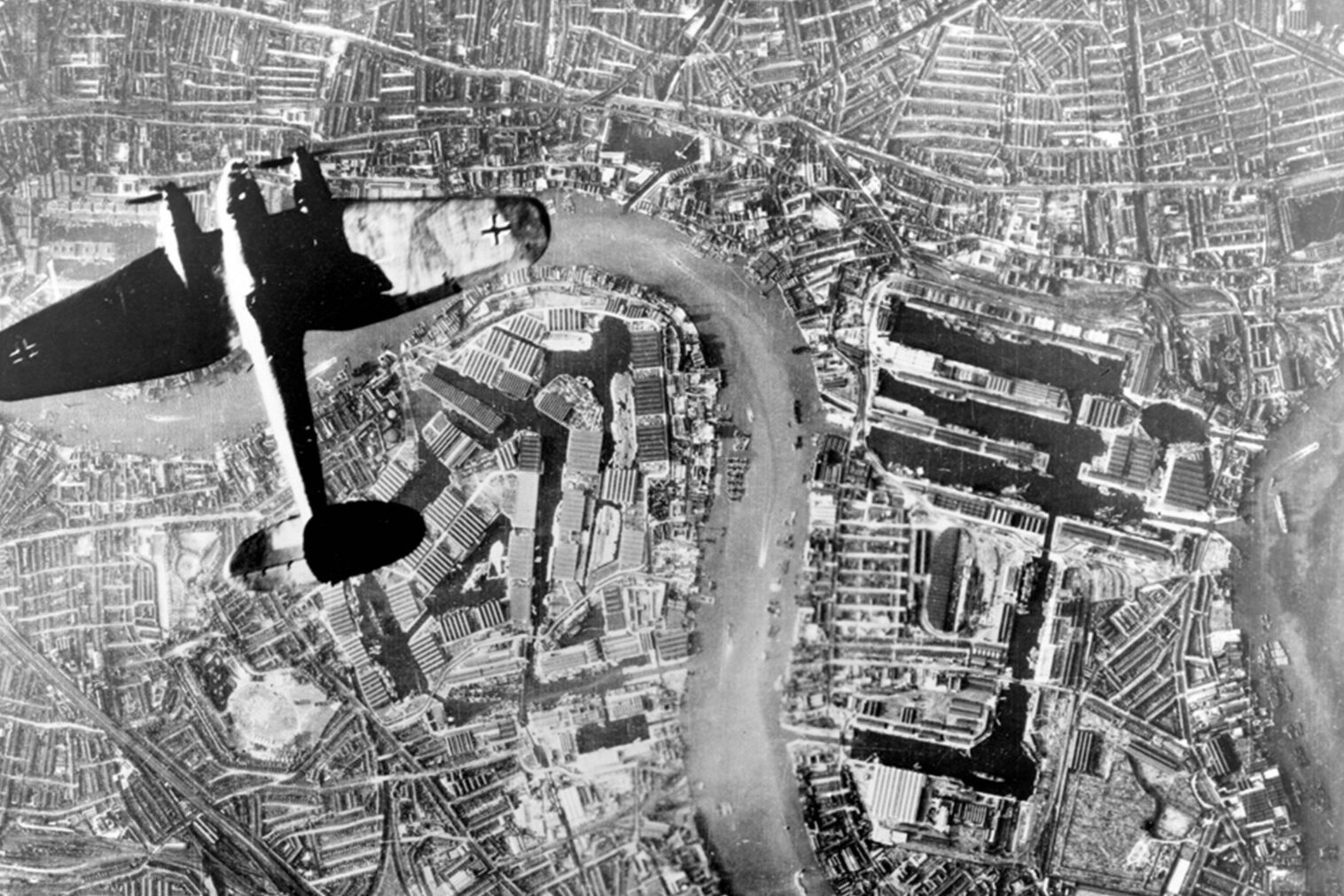 Heinkel_over_Wapping-2.jpg