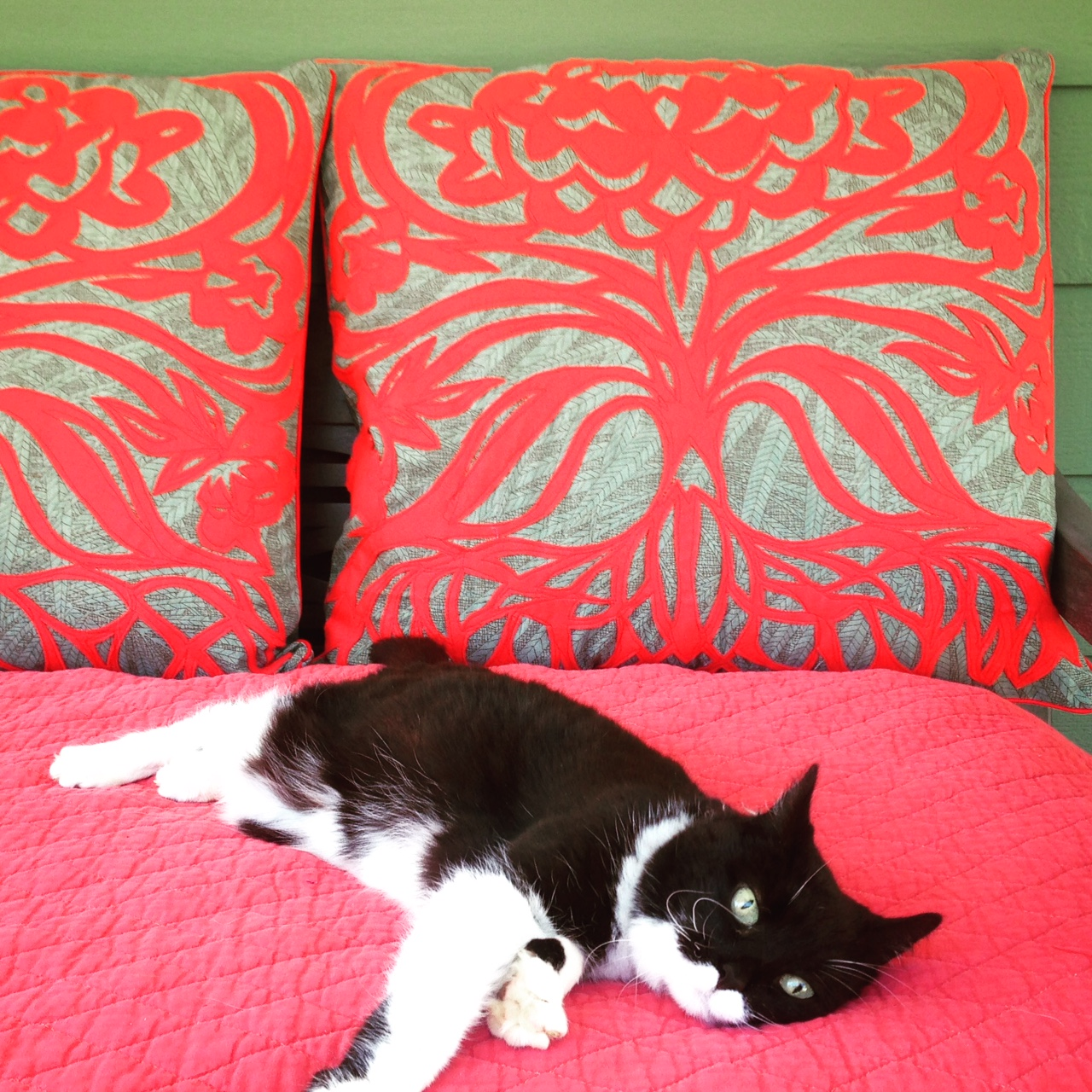 Thistle applique daybed pillows.