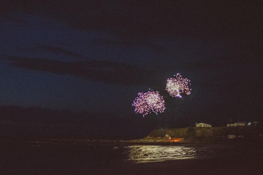 gaspesie-quebec-canada-sainte-anne-des-monts-feux-dartifices-fireworks-nuit-océan