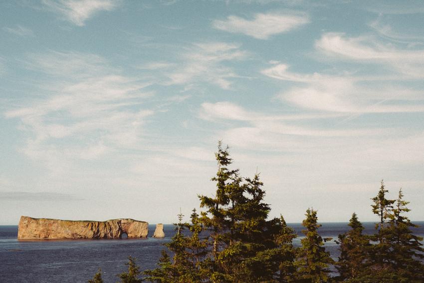 gaspesie-percé-roché-percé-vue-photo-quebec-canada-océan