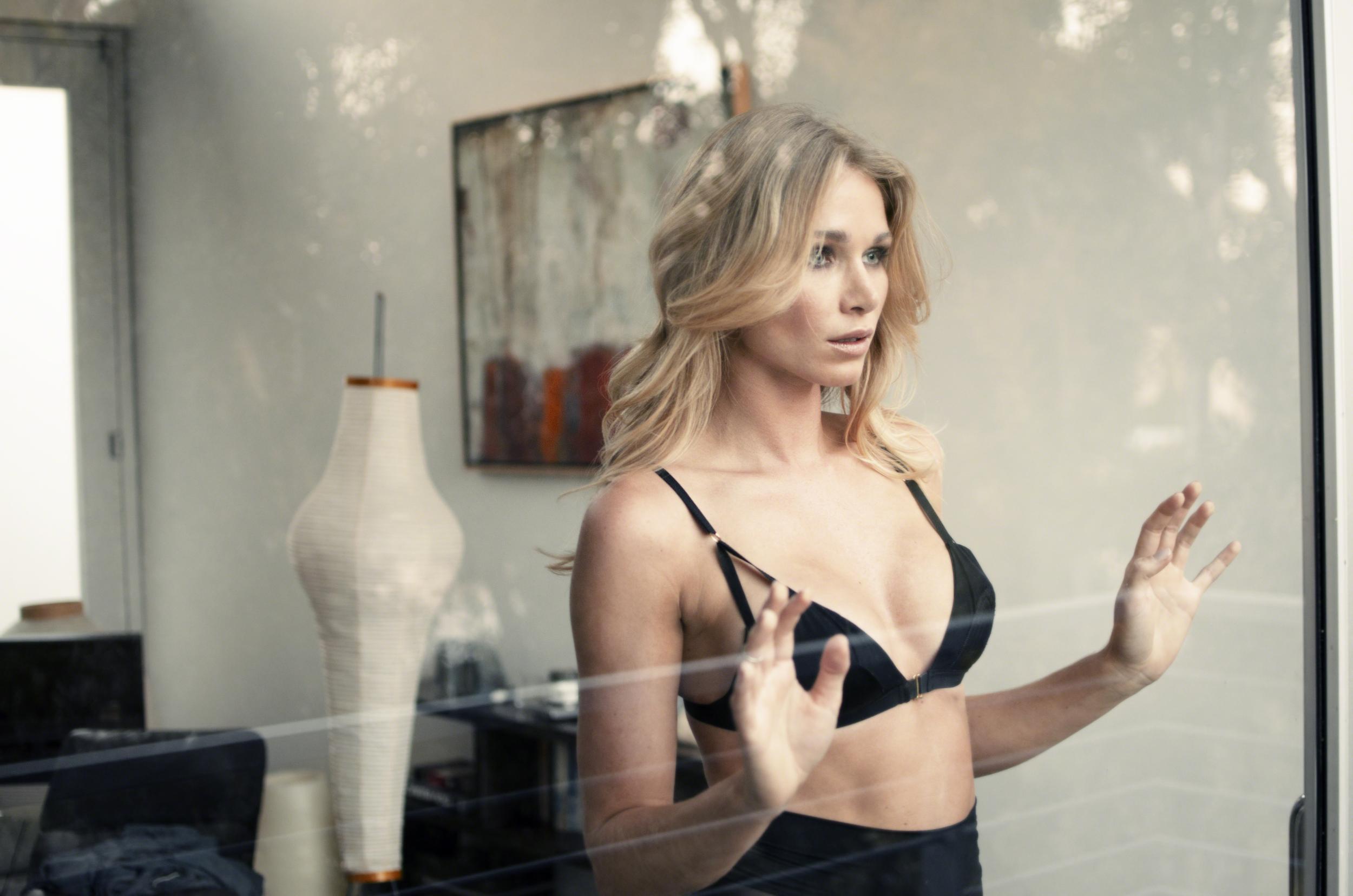 model:  Alyssa Smith
