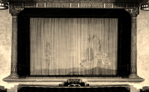 El Portal Wurlitzer and curtain - 1928